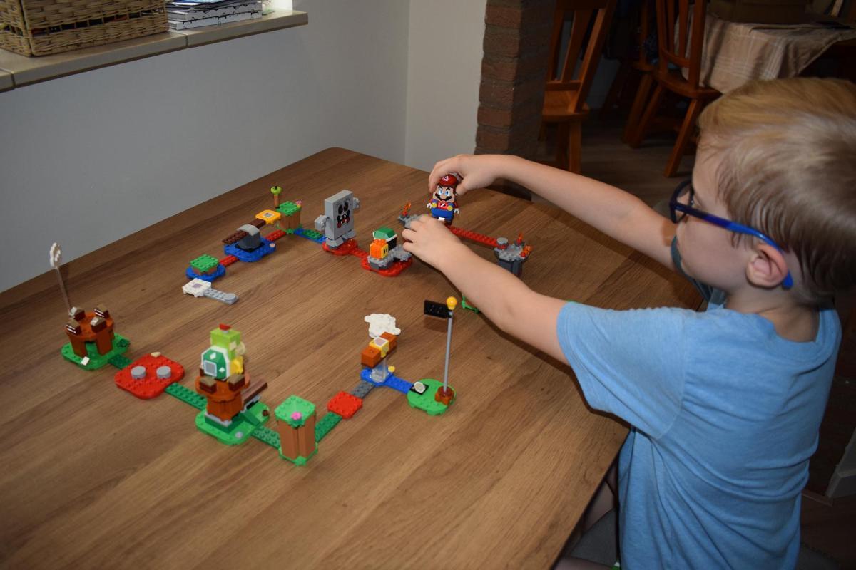 LEGO Super Marioreview